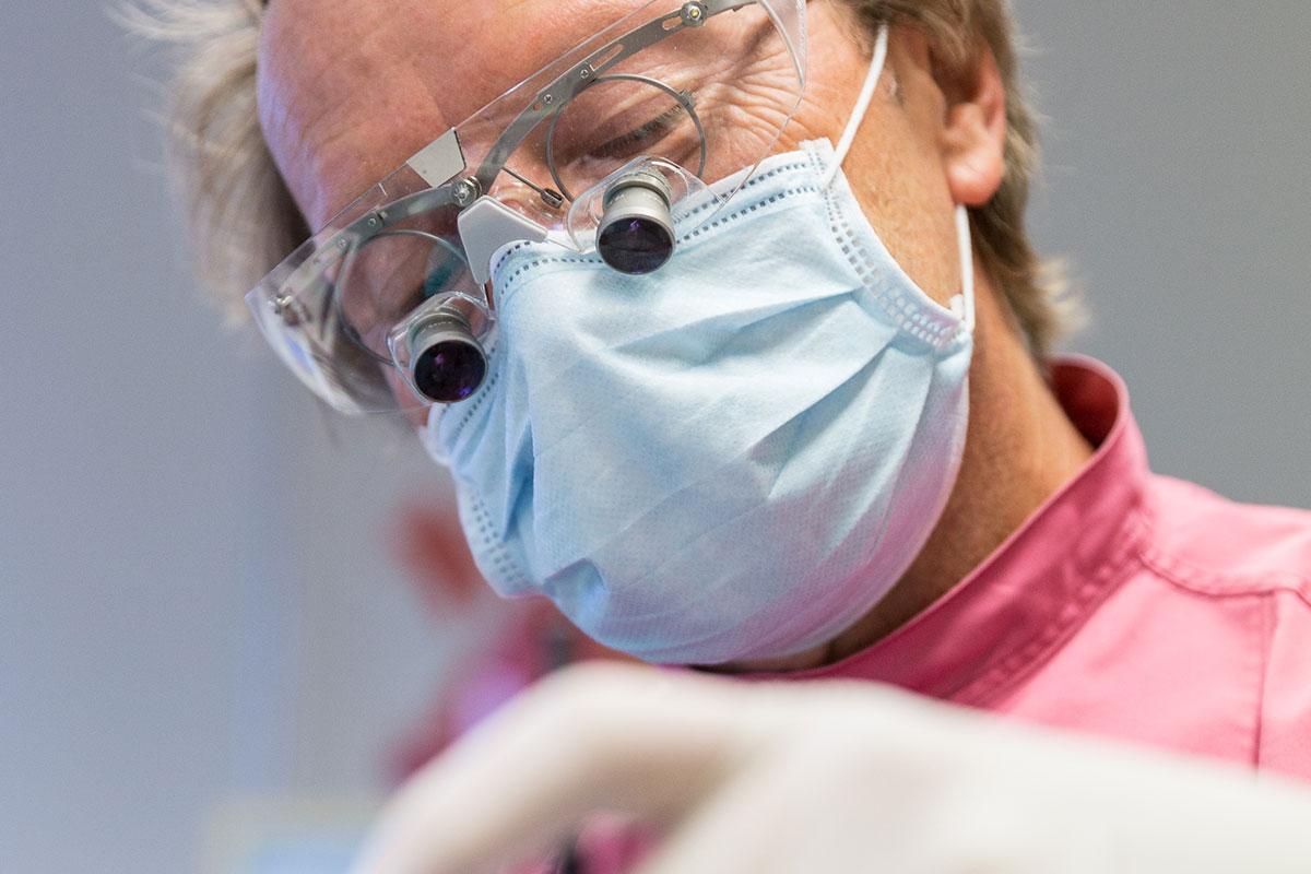 Foto: Zahnarztpraxis Dr. Tritten - Saanen bei Gstaad